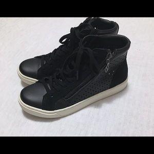 Skechers street sneakers size 5.5 women's in black